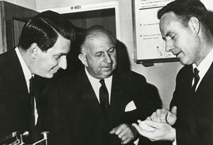 Nossal, Bolte and Metcalf talking together